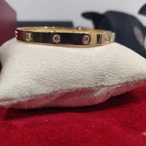 Cartier 10 Diamond Love Bracelet